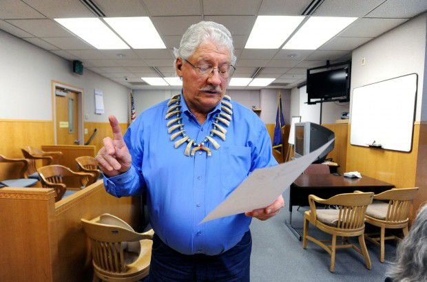Jim Leachman reads a letter to the court