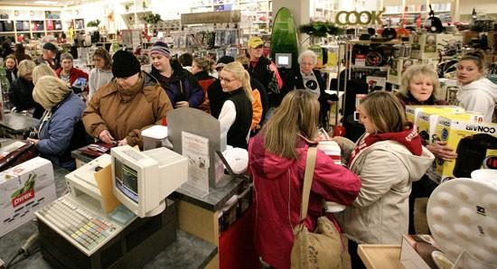Shoppers hit 4 a.m. openings with gusto