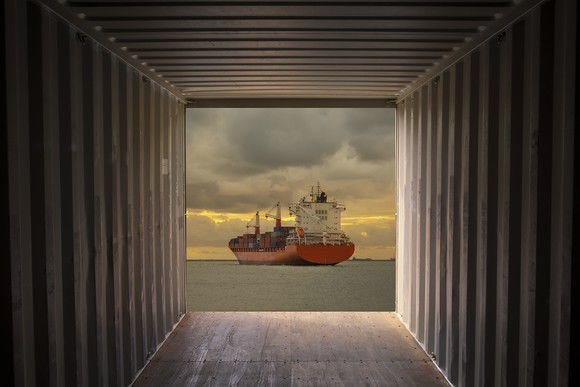Better Buy: Seaspan Corporation vs. Textainer Group Holdings Limited