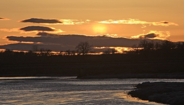 The sun sets over the Yellowstone River
