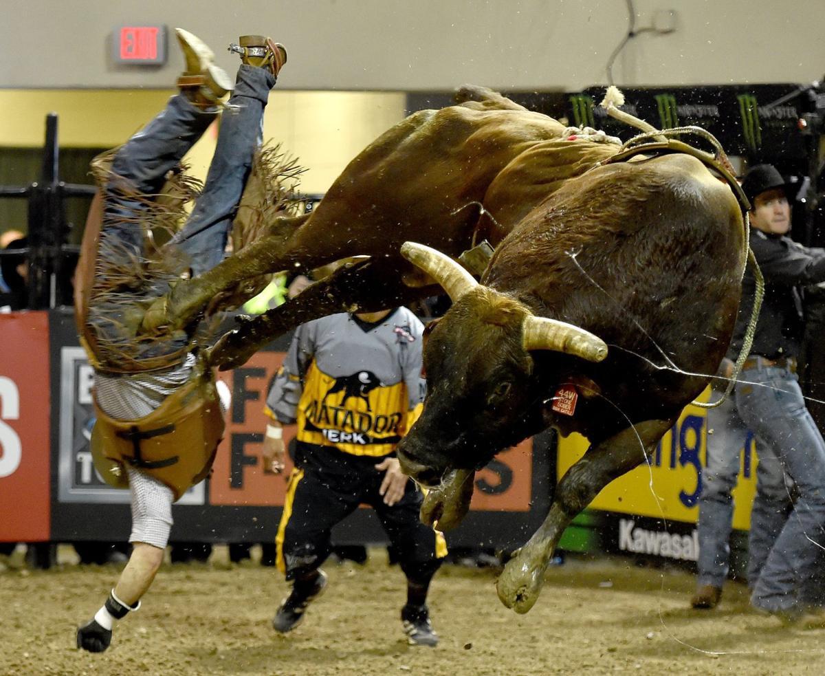 a3c1d4e5712a2 J.B. Mauney wins Billings Professional Bull Riders event a second ...