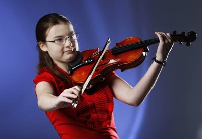 Young violinist Rosie Weiss