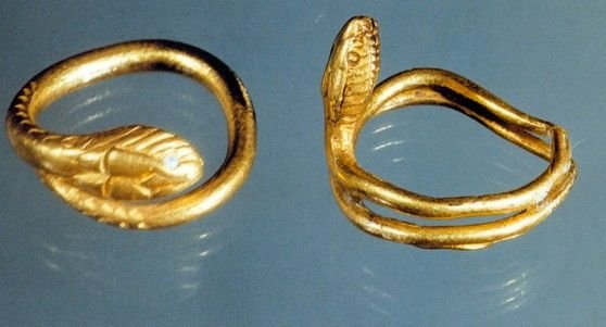 Artifacts originally found in the Italian villas near Pompeii