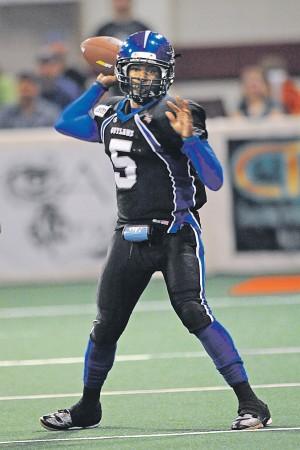 Outlaws quarterback Chris Dixon focused on bringing more ...