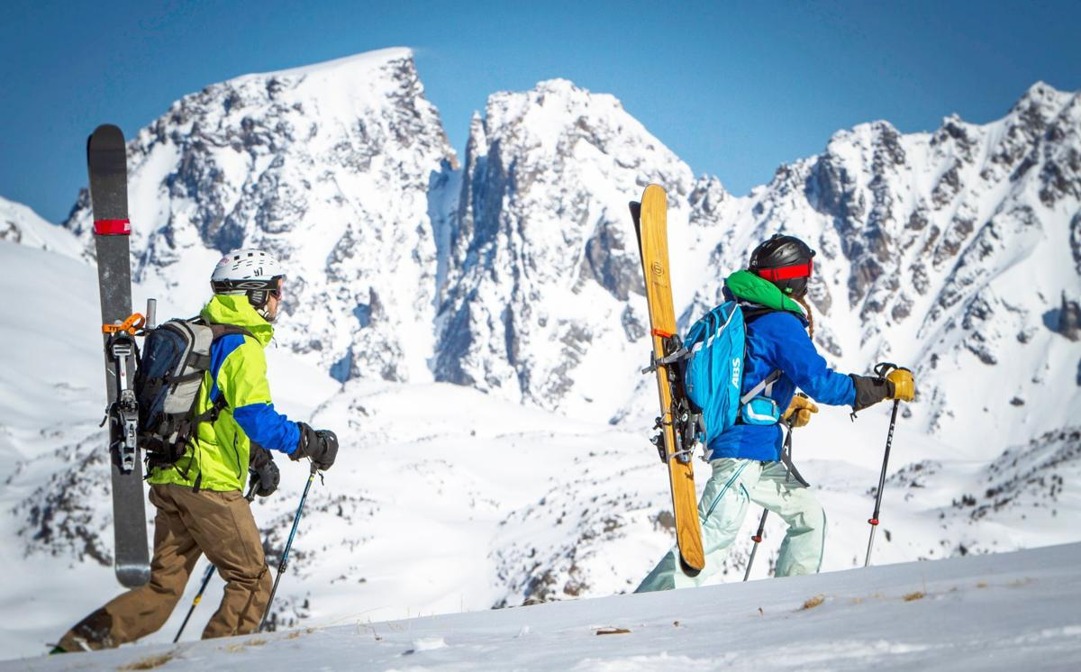 Seneca skis