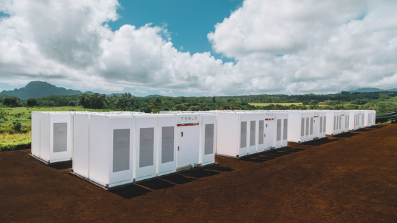 "Tesla, Inc. Expects ""Major Growth"" in Energy Storage"