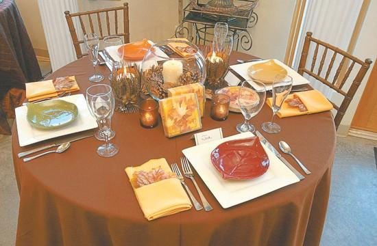 Giving Thanks Create a beautiful casual Thanksgiving table setting | Home and Garden | billingsgazette.com & Giving Thanks: Create a beautiful casual Thanksgiving table setting ...