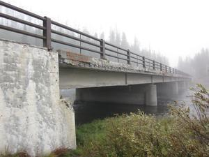 Proposal to replace Lewis River Bridge in Yellowstone