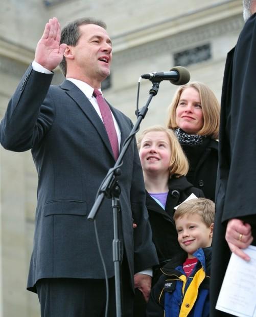 Steve Bullock sworn in as governor