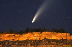 Photo: Comet Neowise hangs over the Billings Rimrocks