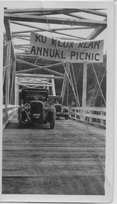 KKK banner South Bridge