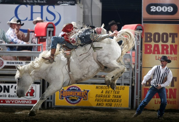 Paschke Gets Down And Dirty At Nile Rodeo News