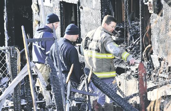 Family of 5 escapes nighttime home blaze