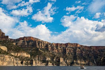 Travel bloggers explore Bighorn Canyon and learn about Crow culture