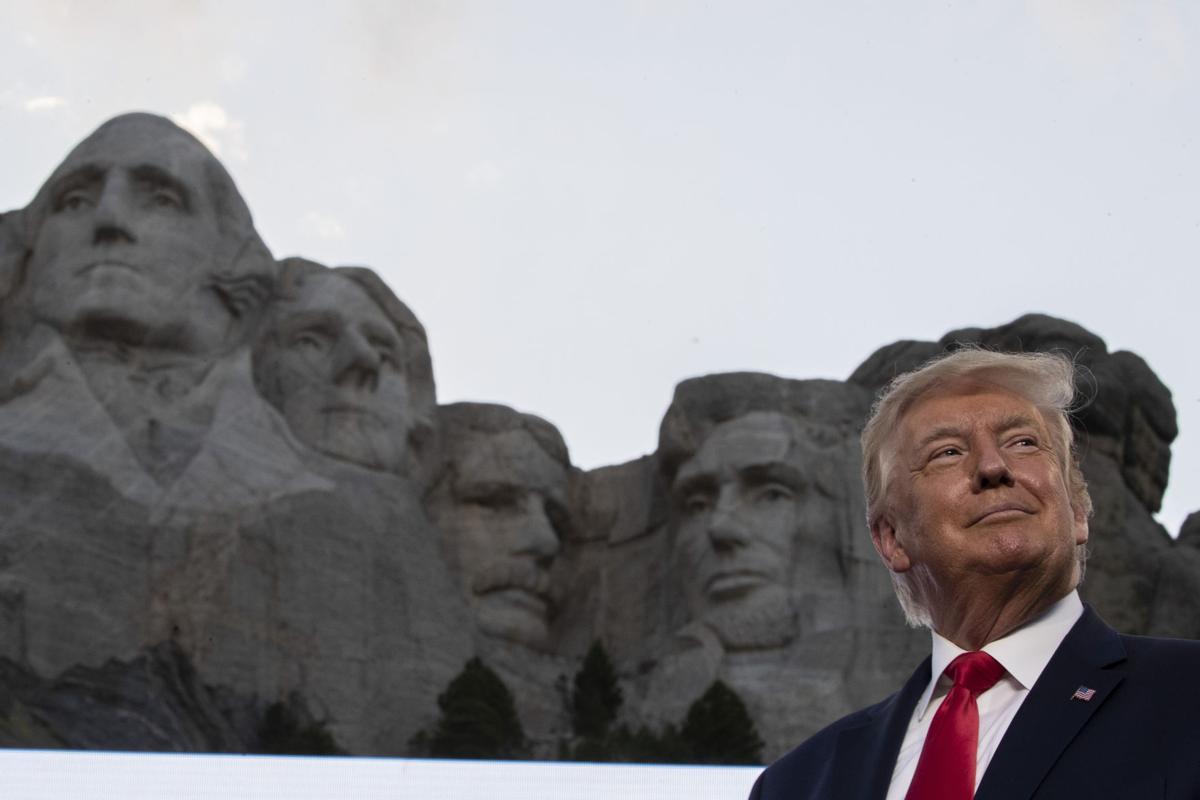 Noem Gave Trump Bust With Face On Mount Rushmore 406 Politics Billingsgazette Com