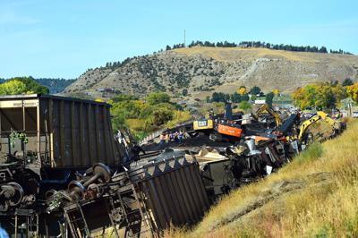 Coal train derails at Columbus