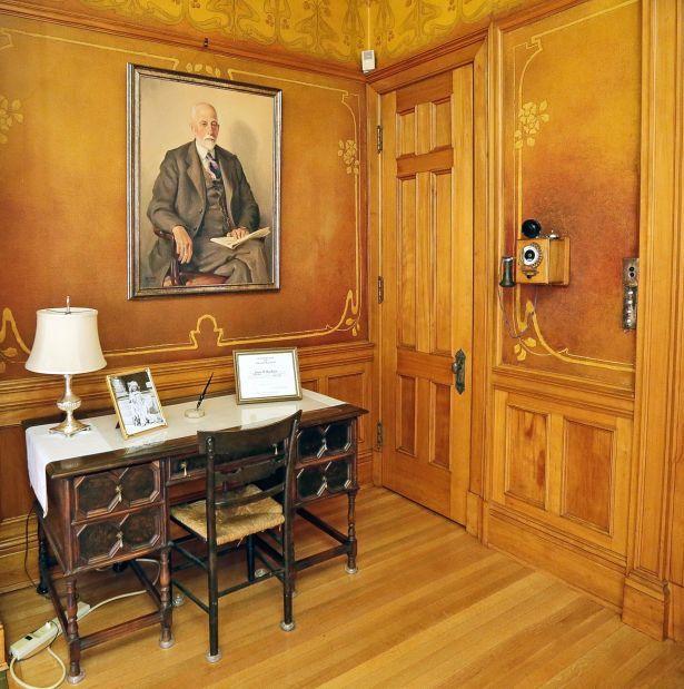 Mansion Dining Room: Moss Mansion Preserves Family History