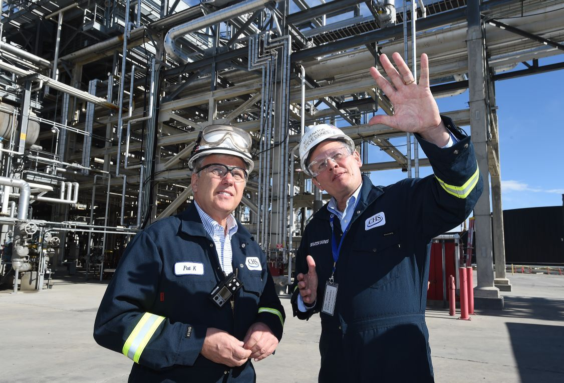 Daines refinery tour