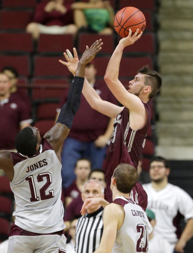 Texas A Amp M Runs Away From Montana In Nit