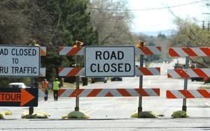 Boulder blasting to close Wyoming highway