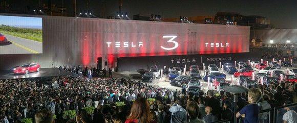 Tesla Model 3: Dual-Motor Before Standard Range?