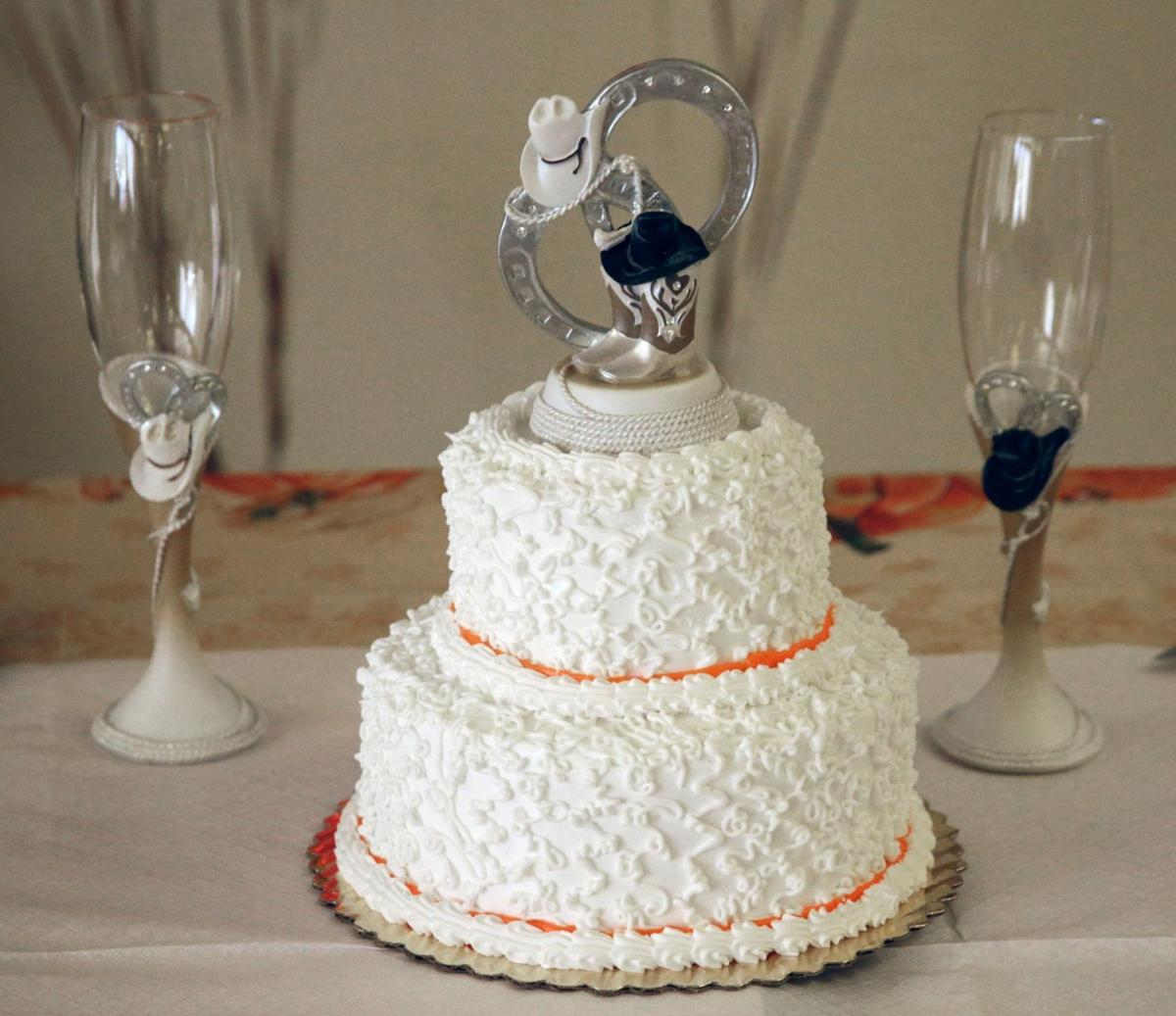 wedding cakes billings montana valley health care center residents tie the knot 23892