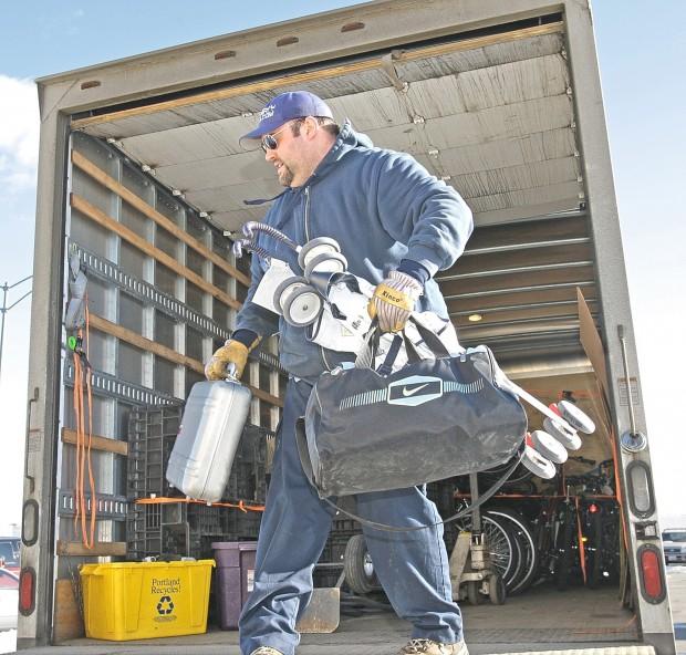 Josh Hyneman loads items