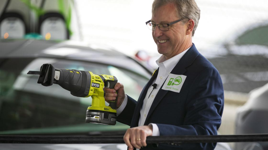 Billings opens first public electric vehicle charging stations