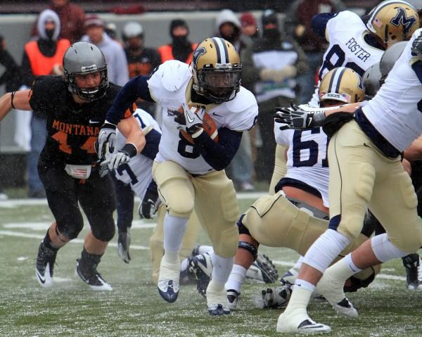 Orenzo Davis looks for room against the Montana