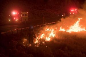Closure around wildfire in western Wyoming lifted