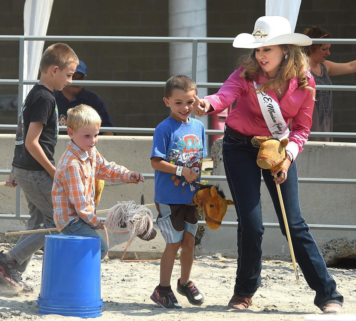 Børn Konkurrer I Stick Horse Rodeo Hos Montanafair Lokal Billingsgazettecom-9661