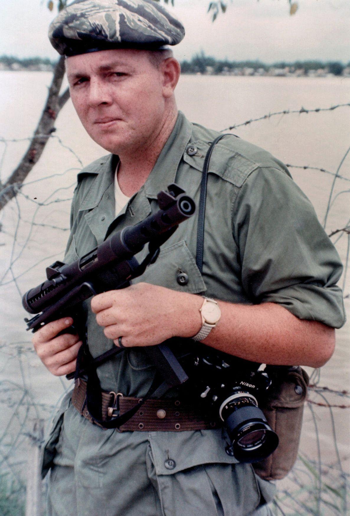 Storied war reporter Joe Galloway - 242.3KB
