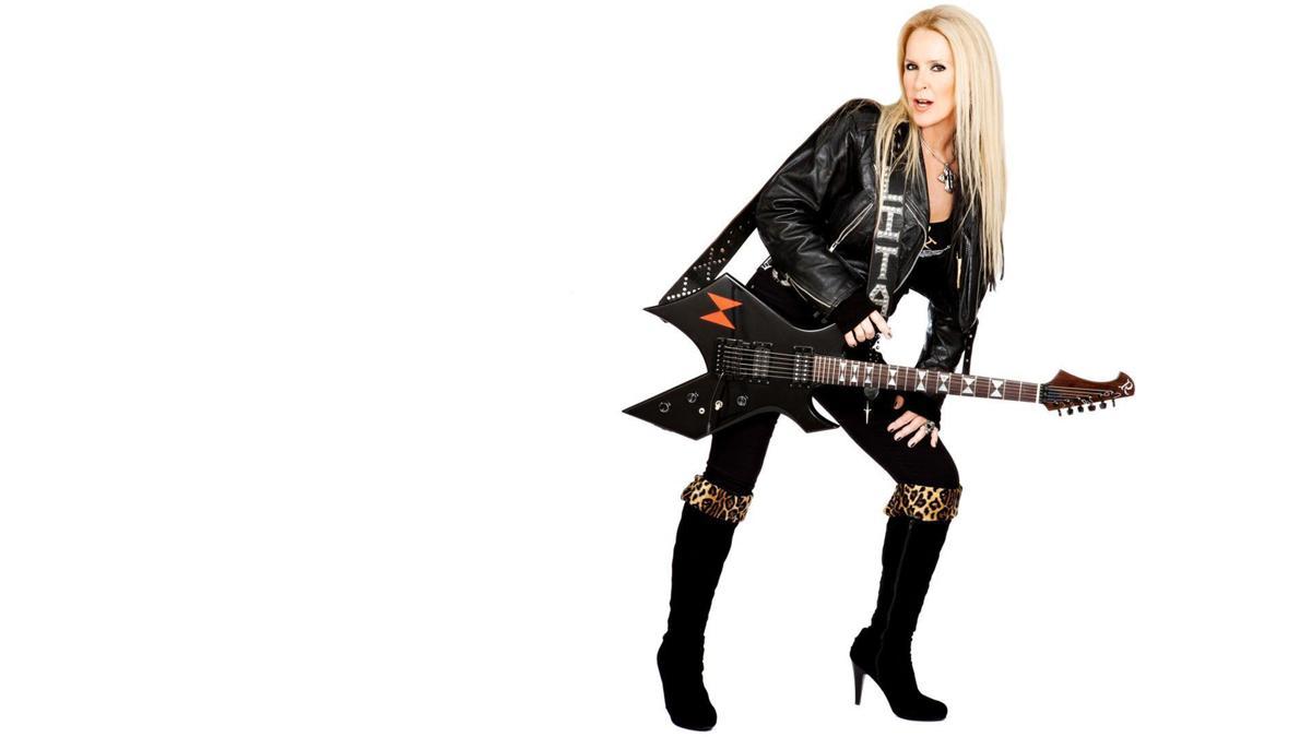 Halestorm tops 3 female-fronted rock bands Friday at Shrine ...