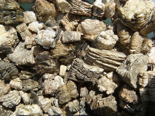 Asbestos-tainted vermiculite from Libby