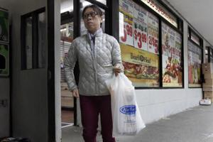 Wyoming town looks at banning plastic bags