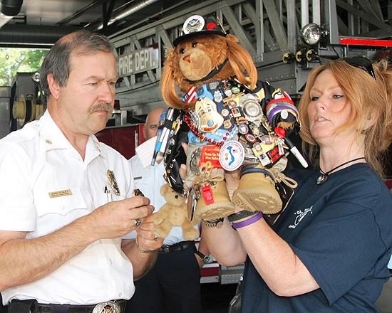 Fire crew joins soldier tribute