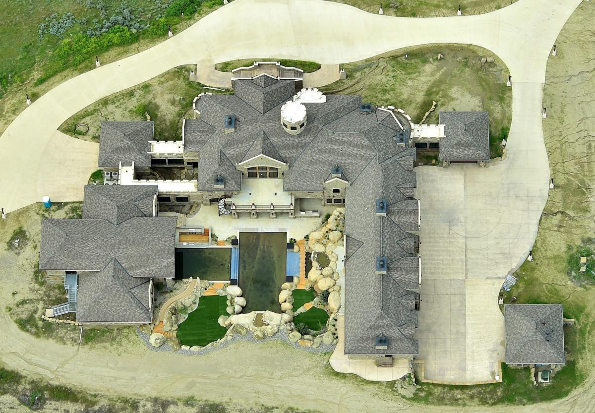 Mansion vertical