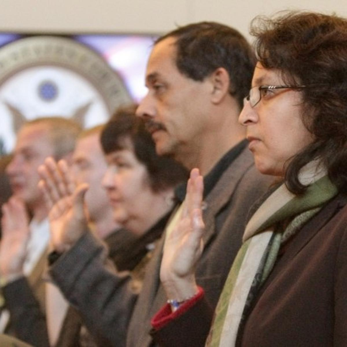 17 become citizens in naturalization ceremony | Local