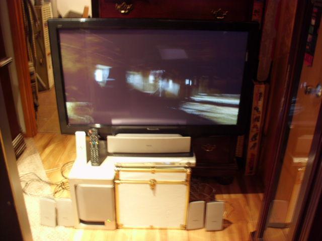 panasonic 40 tv lcd  with surround sound image 1
