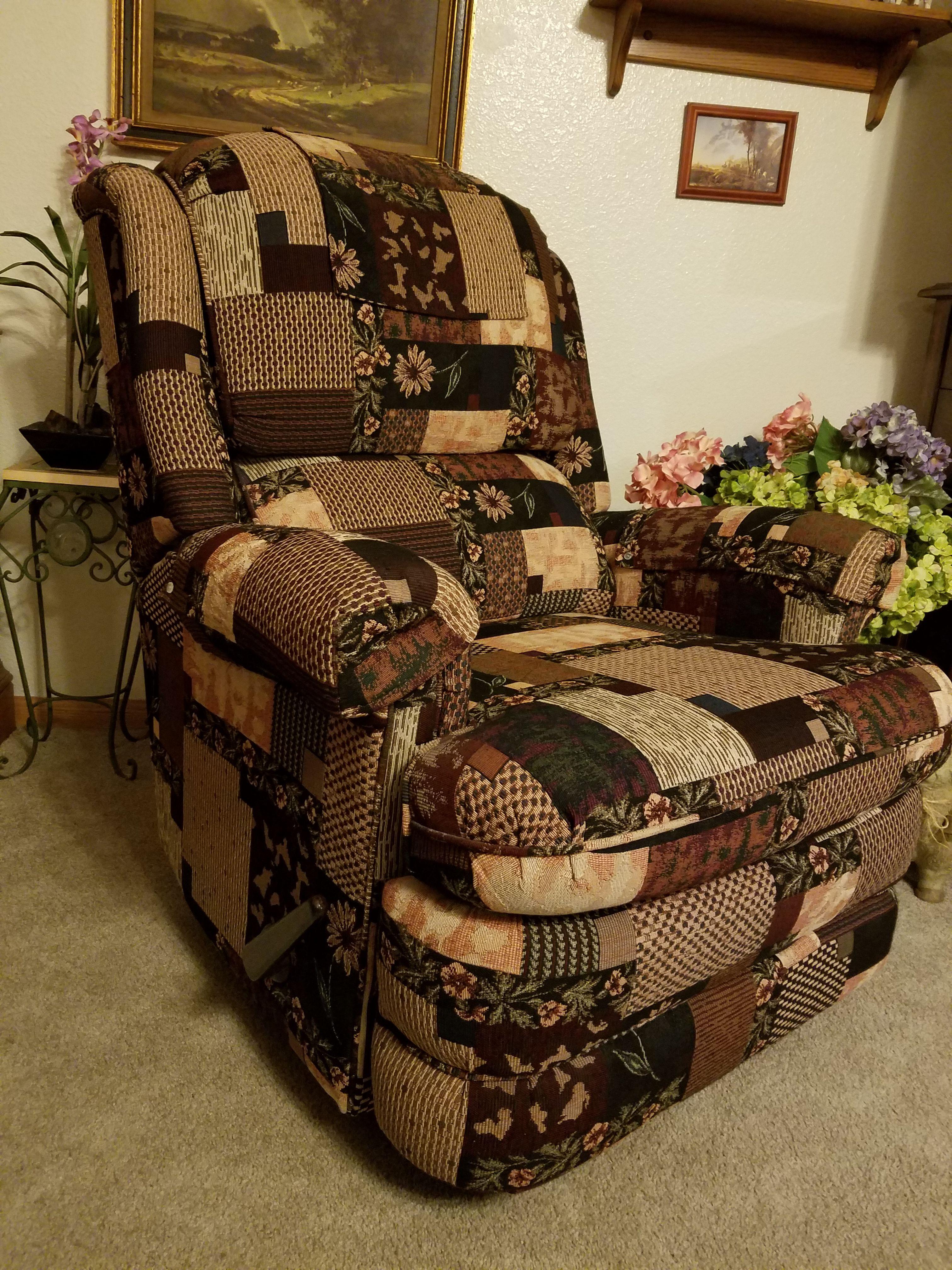 Rocker/Recliner Chair image 1