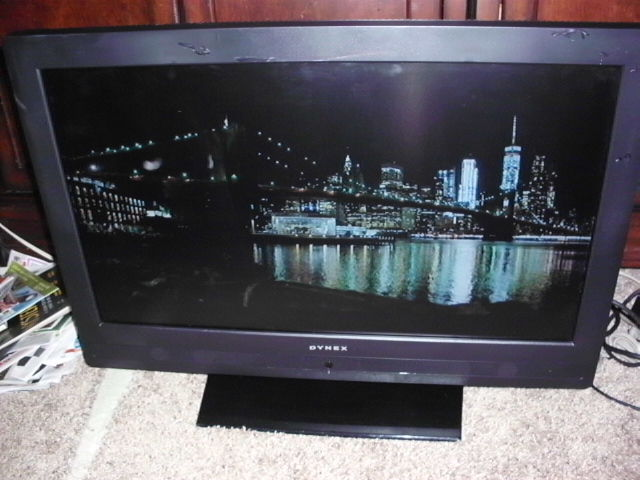 27 dyext lcd tv image 1