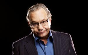 'It's all about stupidity': Lewis Black brings unique brand of comedy to Bismarck