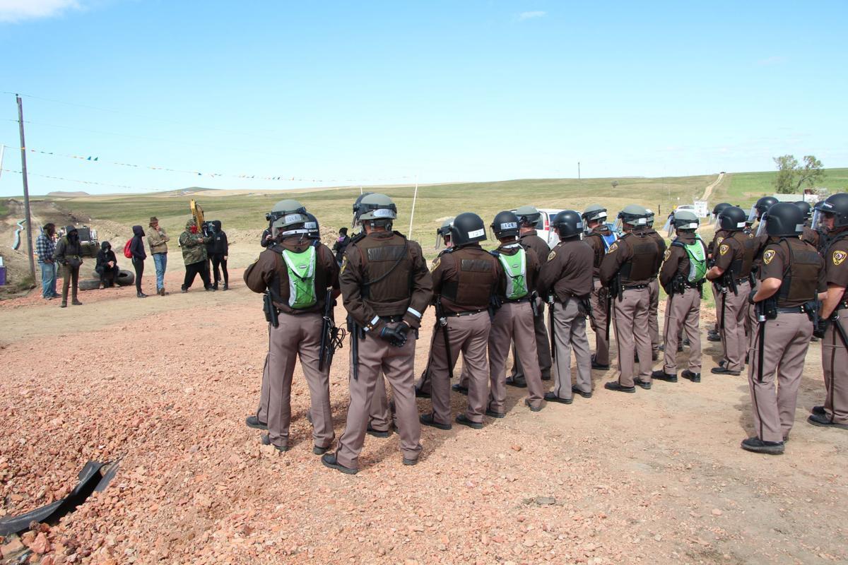 North dakota morton county glen ullin - Police Presence