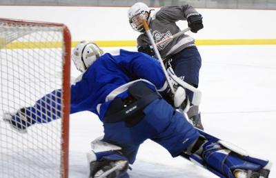 091318-spt-umary-hockey
