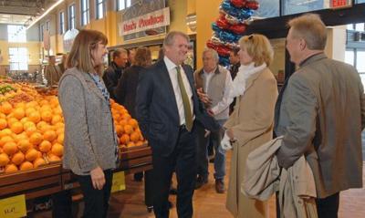 Dan's Supermarket opens
