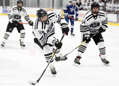 011520-spt-mandan-boys-hockey