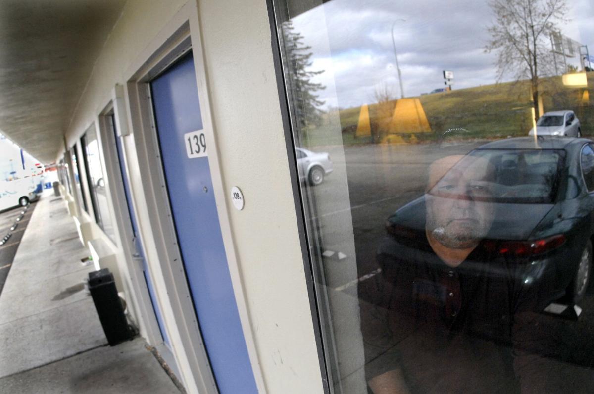 103117-nws-homeless-in-motel-1