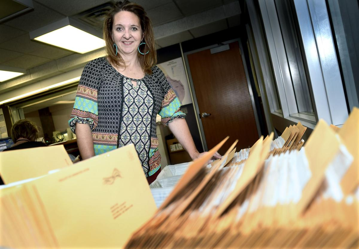 100520-nws-absentee-ballots-1