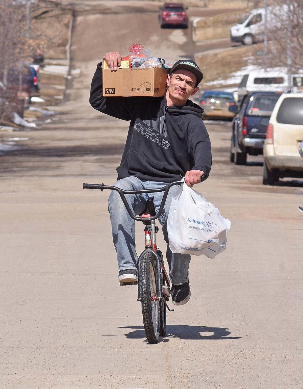 041118-nws-groceries.jpg