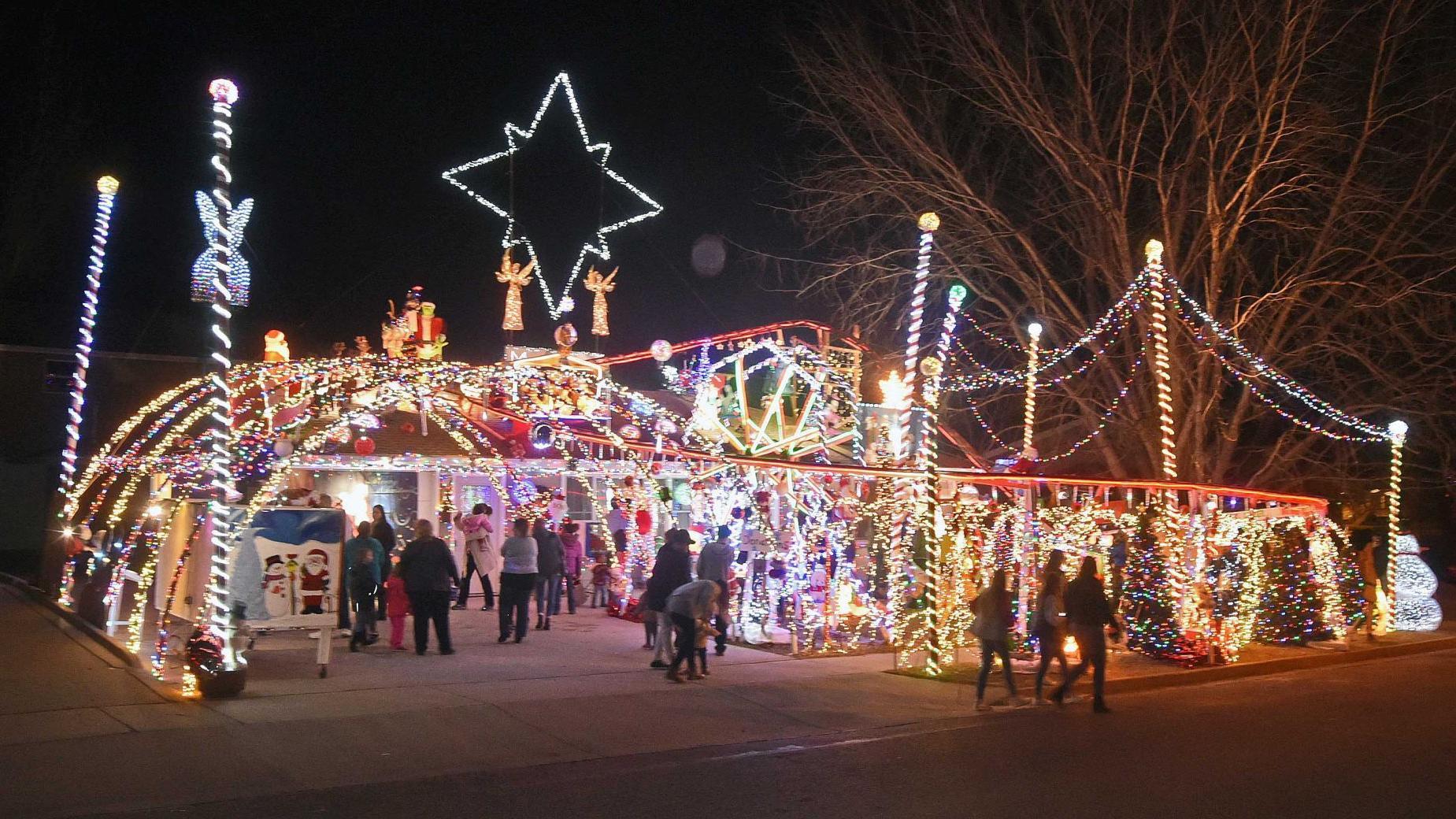 Christmas Lights Bismarck Nd 2020 Chmielewski Christmas lights display | Tribune Photo Collections